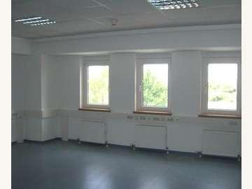 Wiener Neudorf Bürohaus - Bild 01